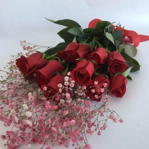 Bouquet of red roses delivery