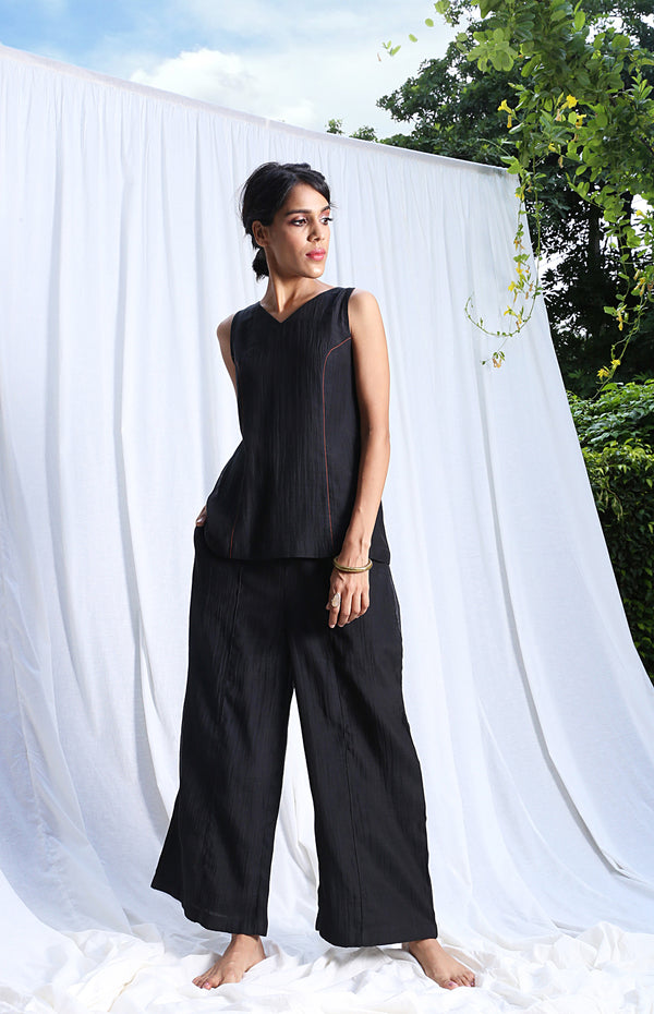 Black Sleeveless Top And Pants