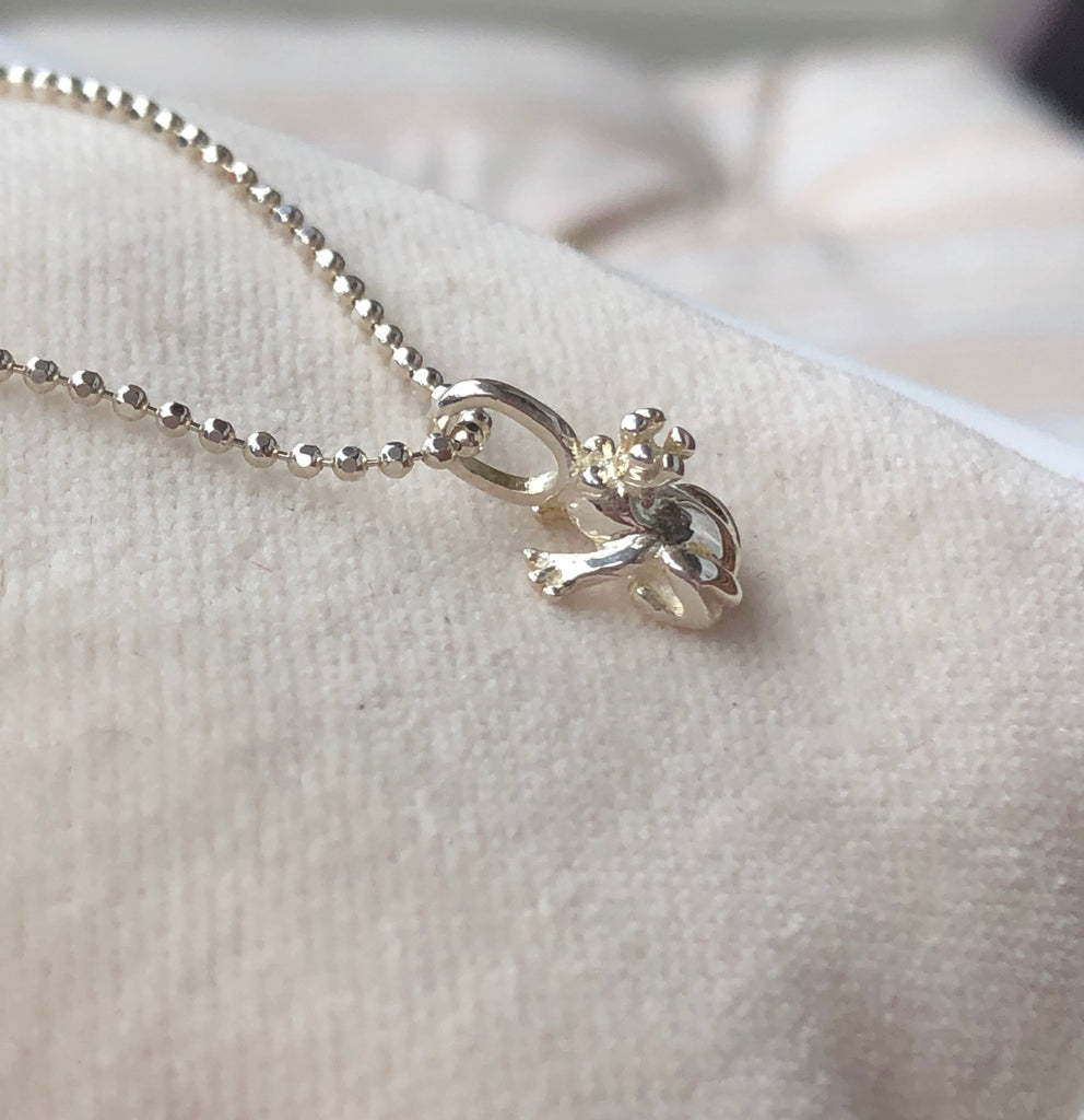KISS A FROG NECKLACE SILVER - Staaarkids