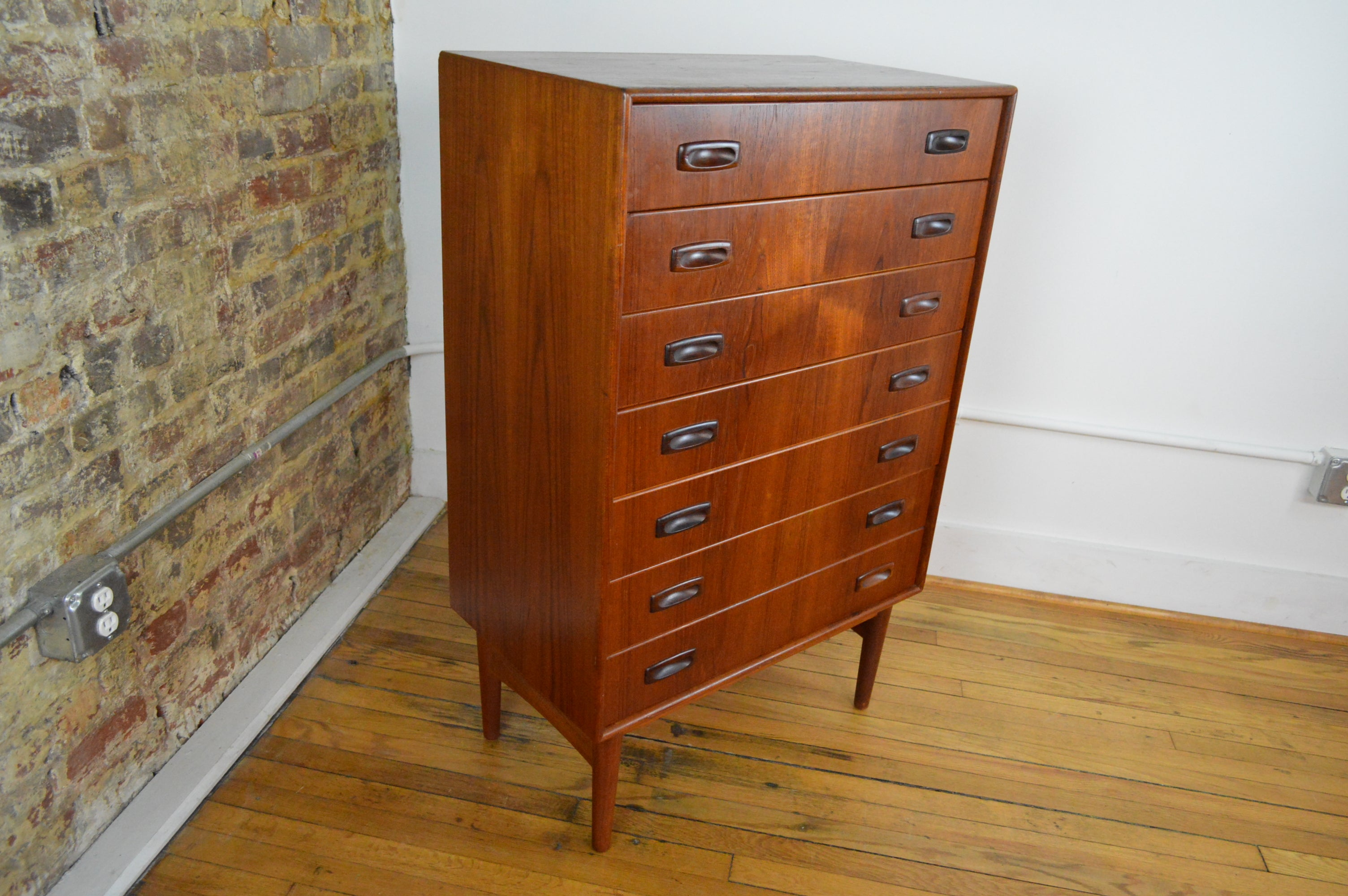 surrey cobham category siena furniture six chest no cupboard drawer nr product drawers of bedroom london