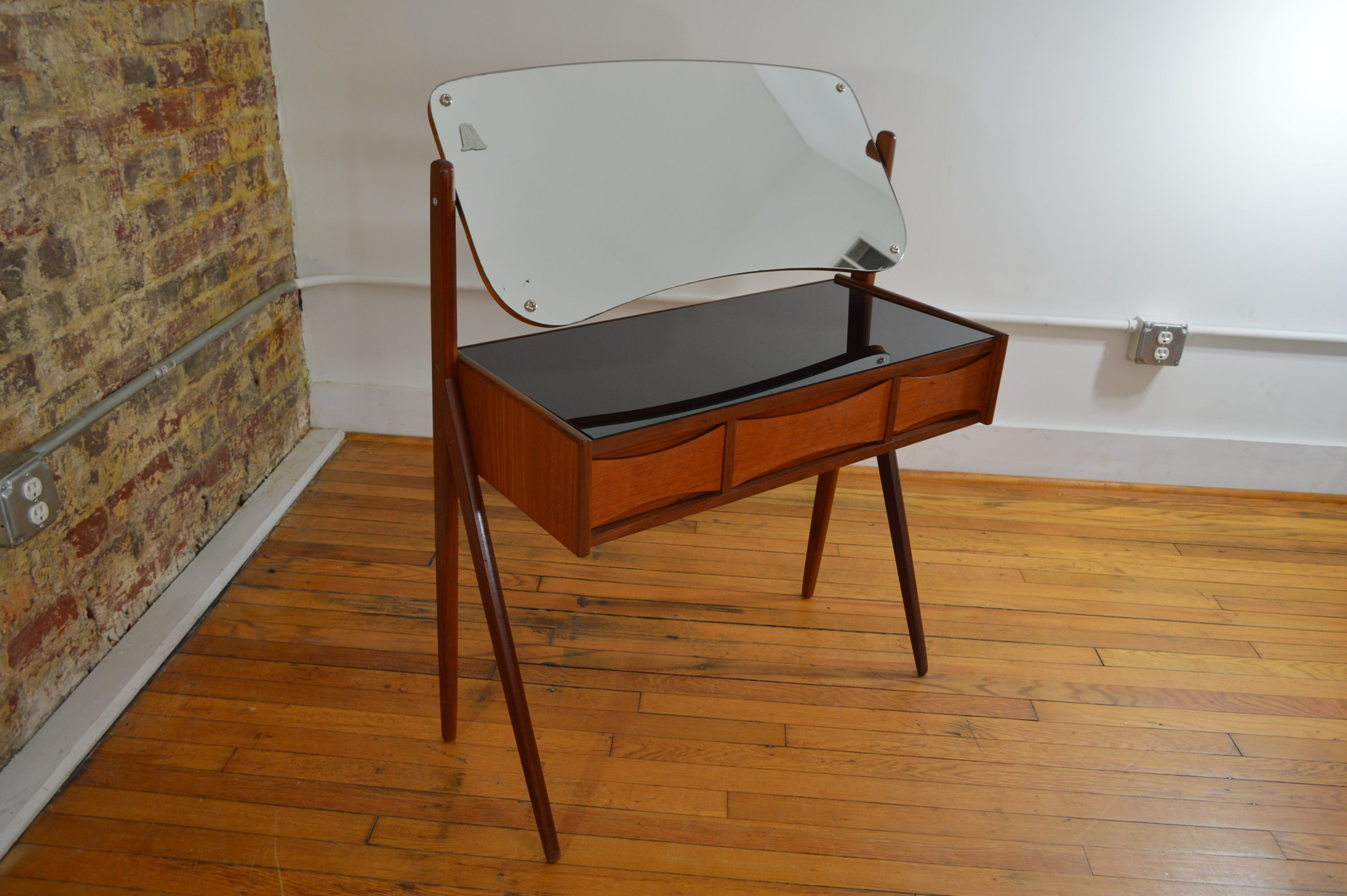 Petite Arne Vodder Danish Dressing Table Vanity Galaxiemodern