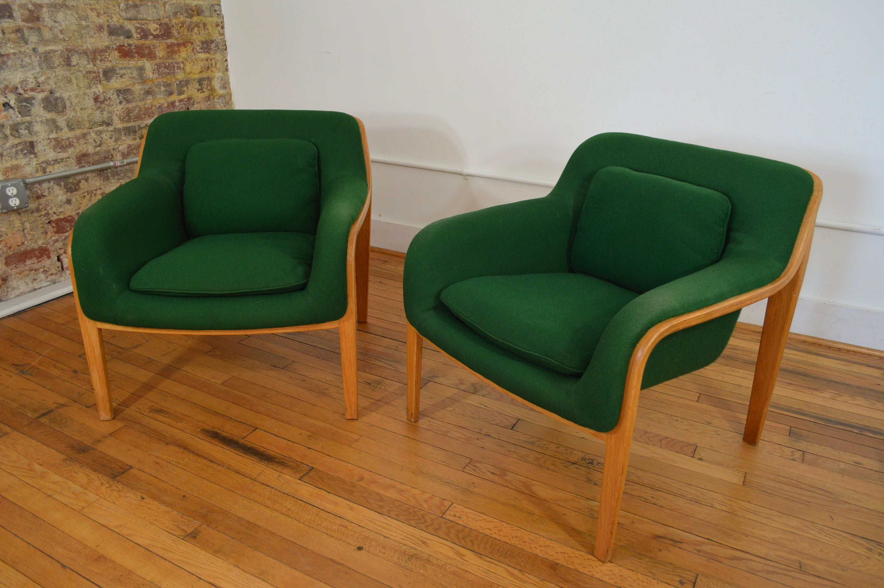 William Stephens For Knoll International Lounge Chairs In Awesome Green  Upholstery