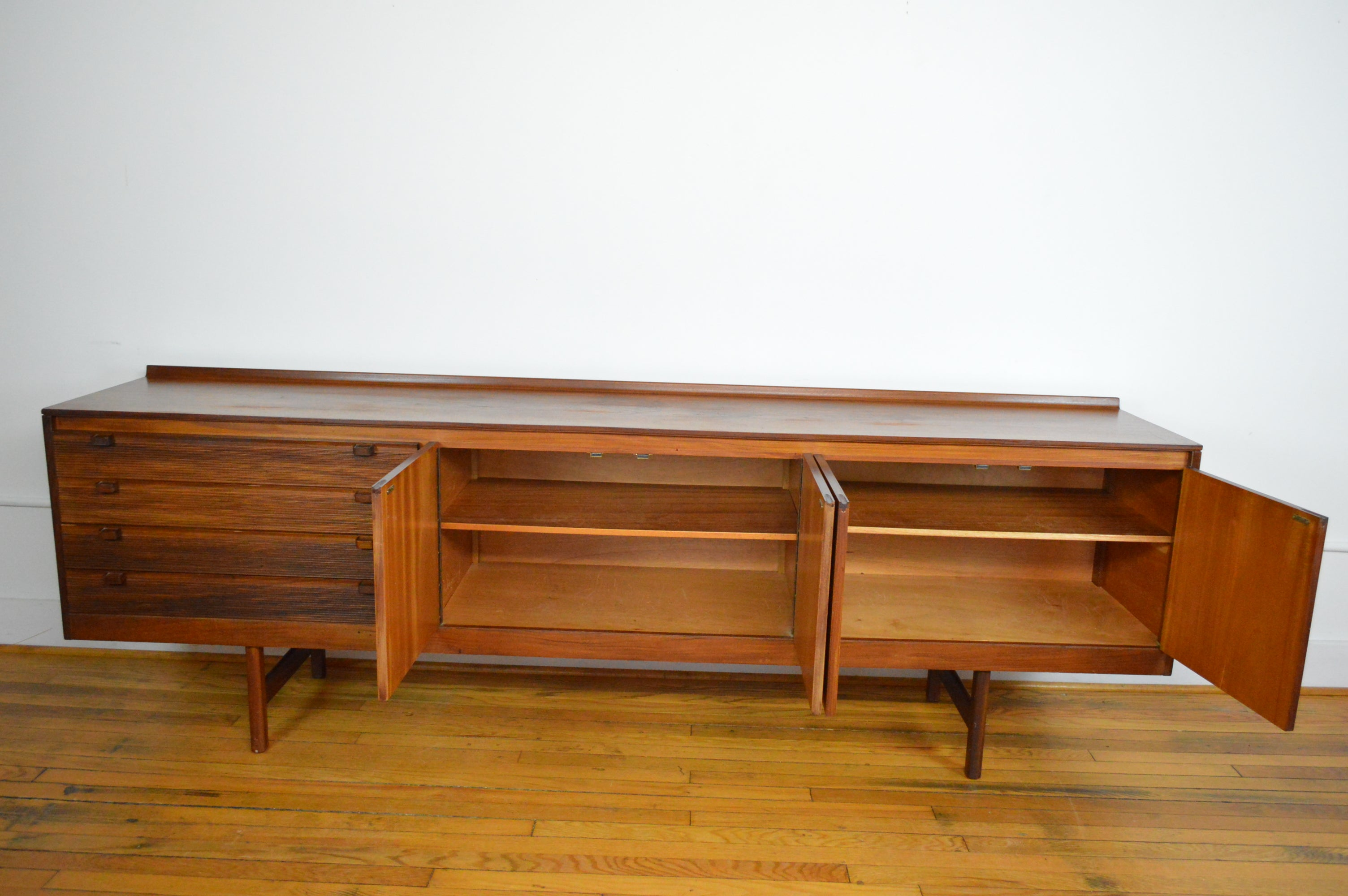 Lovely Robert Heritage For Archie Shine U.K. Extra Long Credenza