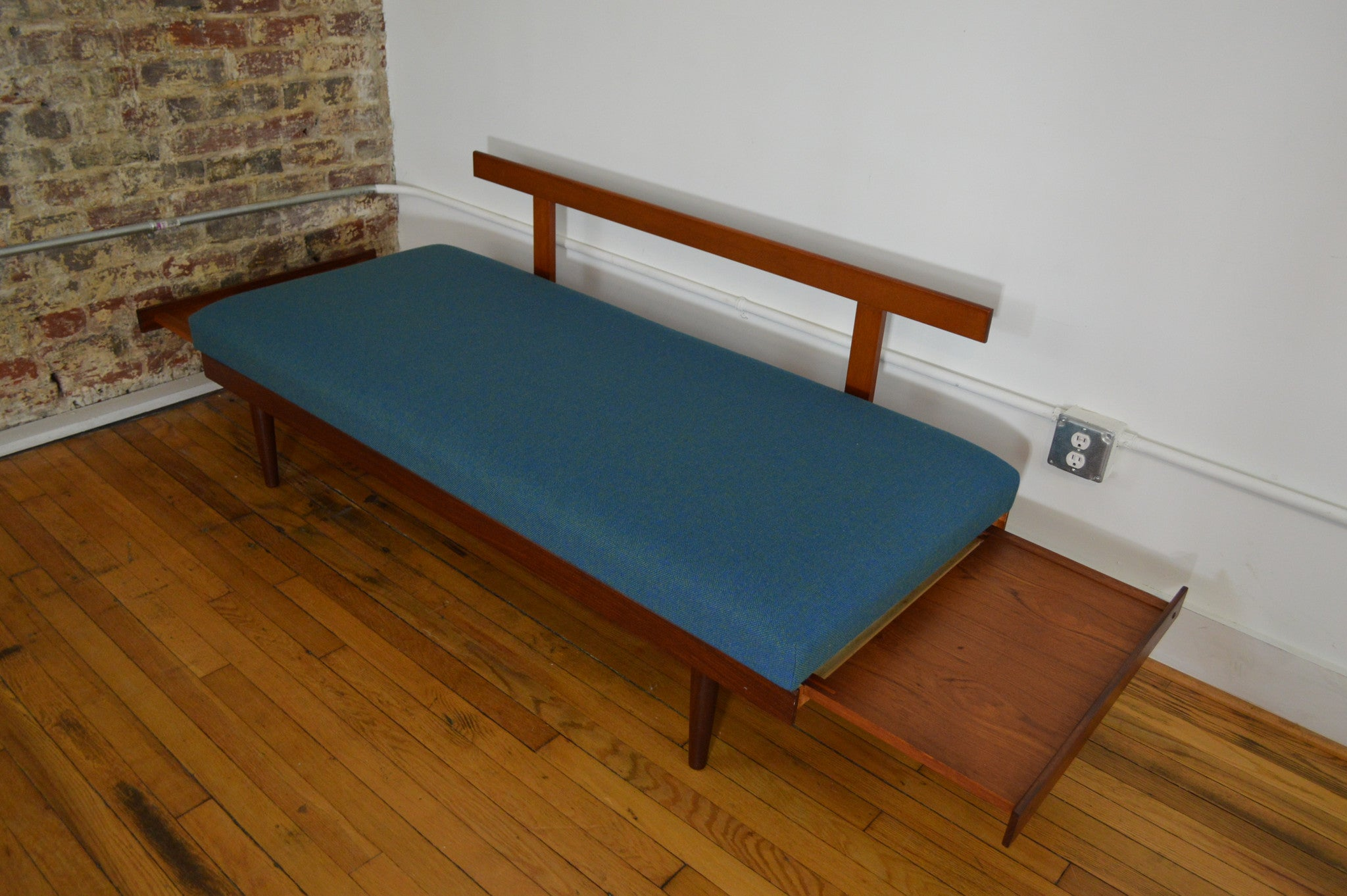 daybed sofa with teak pull out end tables