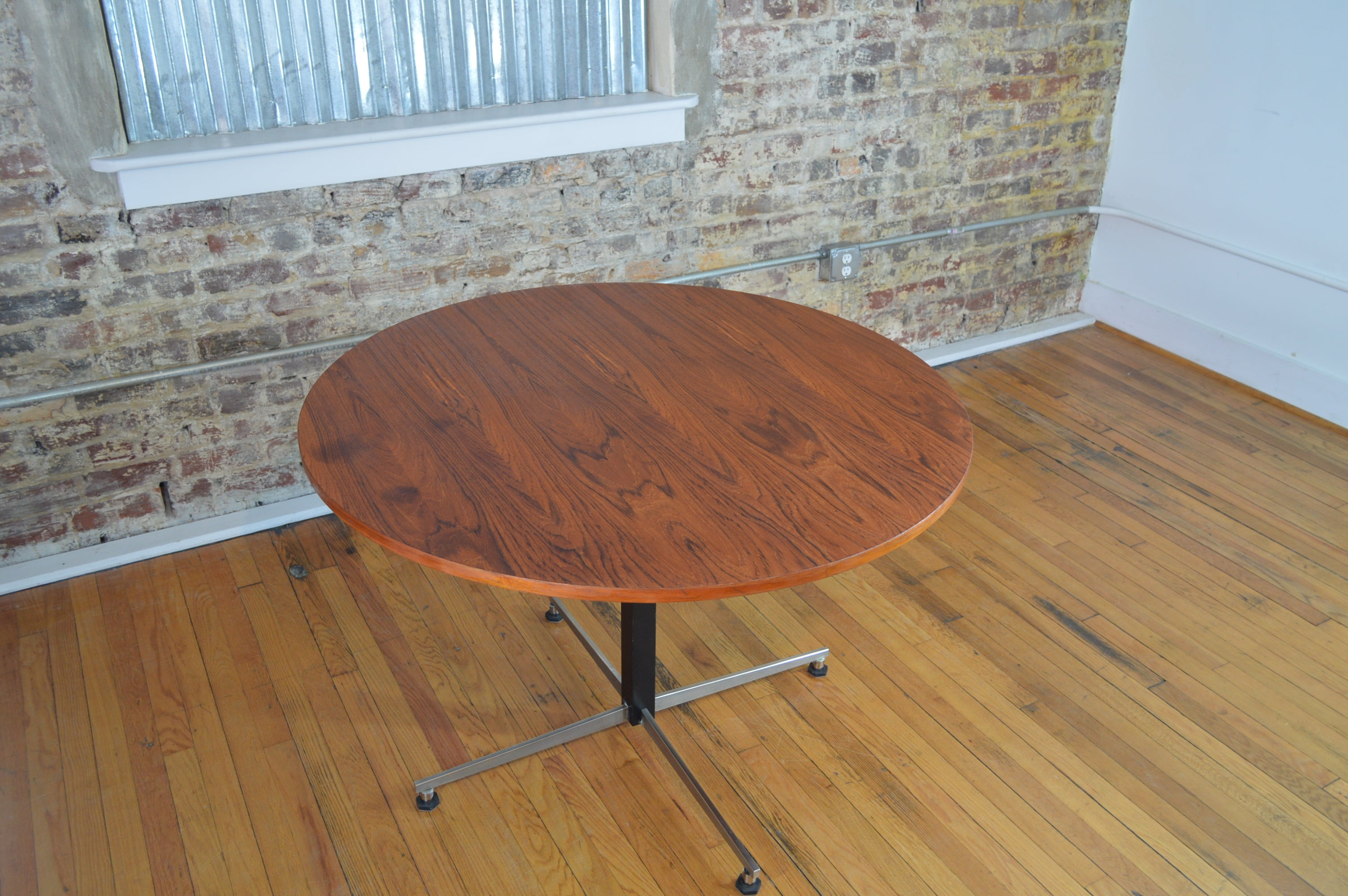 """Tables tagged """"Mid Century"""" GalaxieModern"""