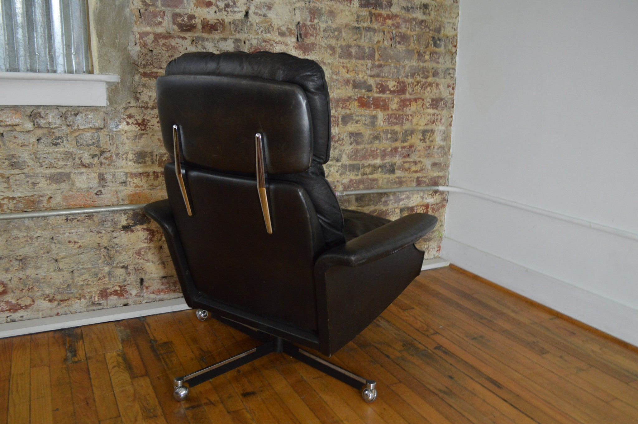 Rare Dux Sweden Mid Century Leather Recliner