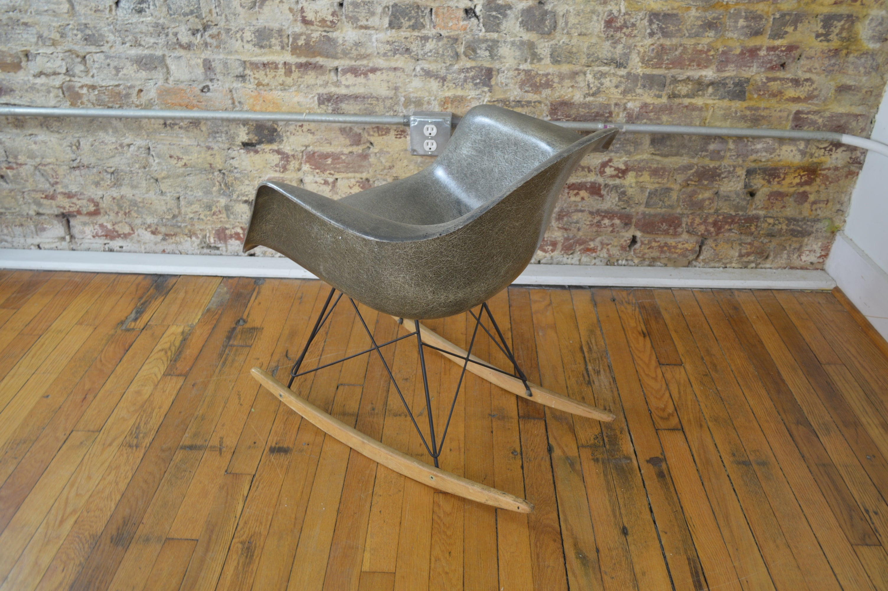 Superb Charles Ray Eames For Herman Miller Mid Century Modern Rocking Chair Creativecarmelina Interior Chair Design Creativecarmelinacom