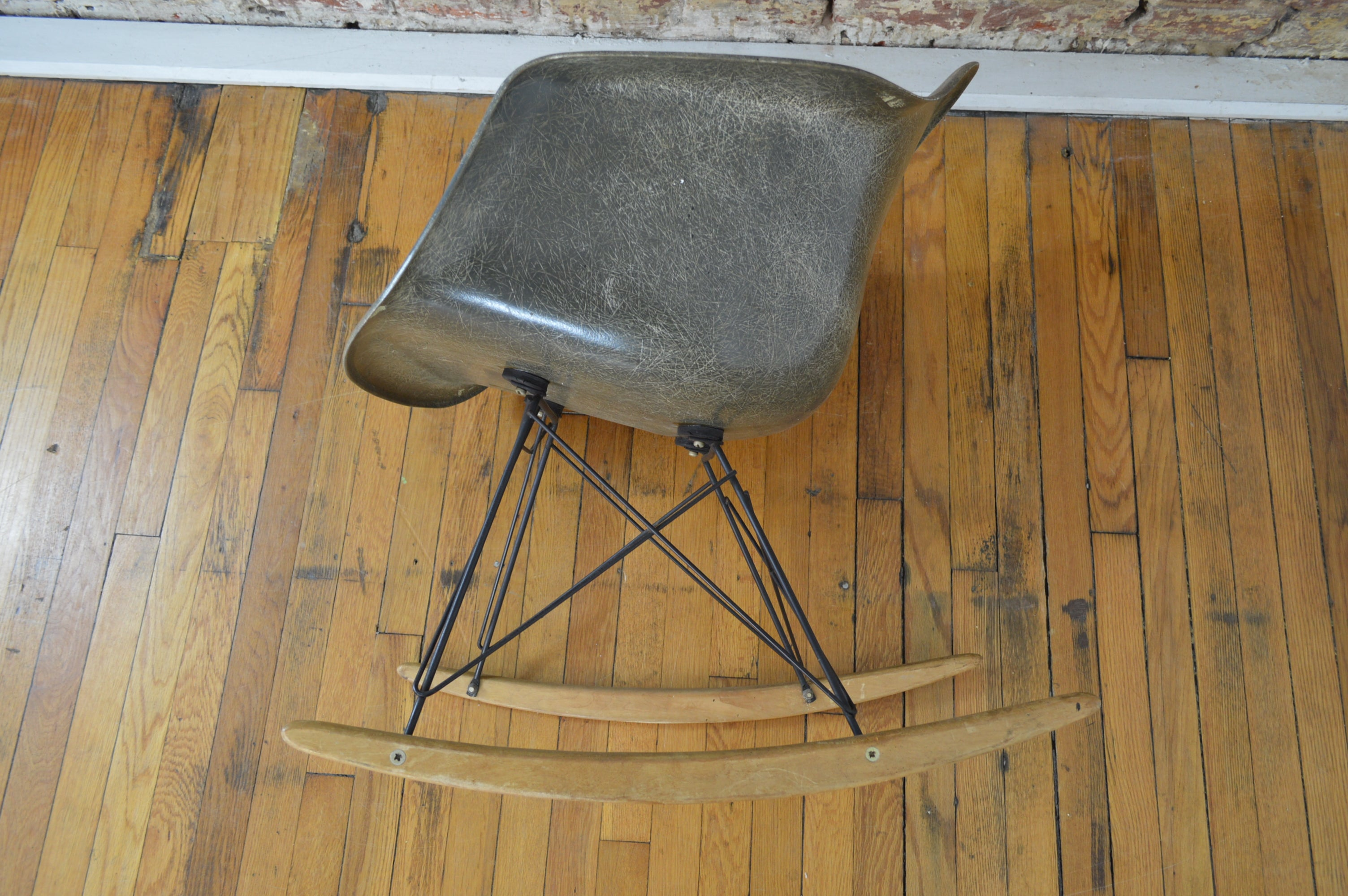 Sensational Charles Ray Eames For Herman Miller Mid Century Modern Rocking Chair Alphanode Cool Chair Designs And Ideas Alphanodeonline