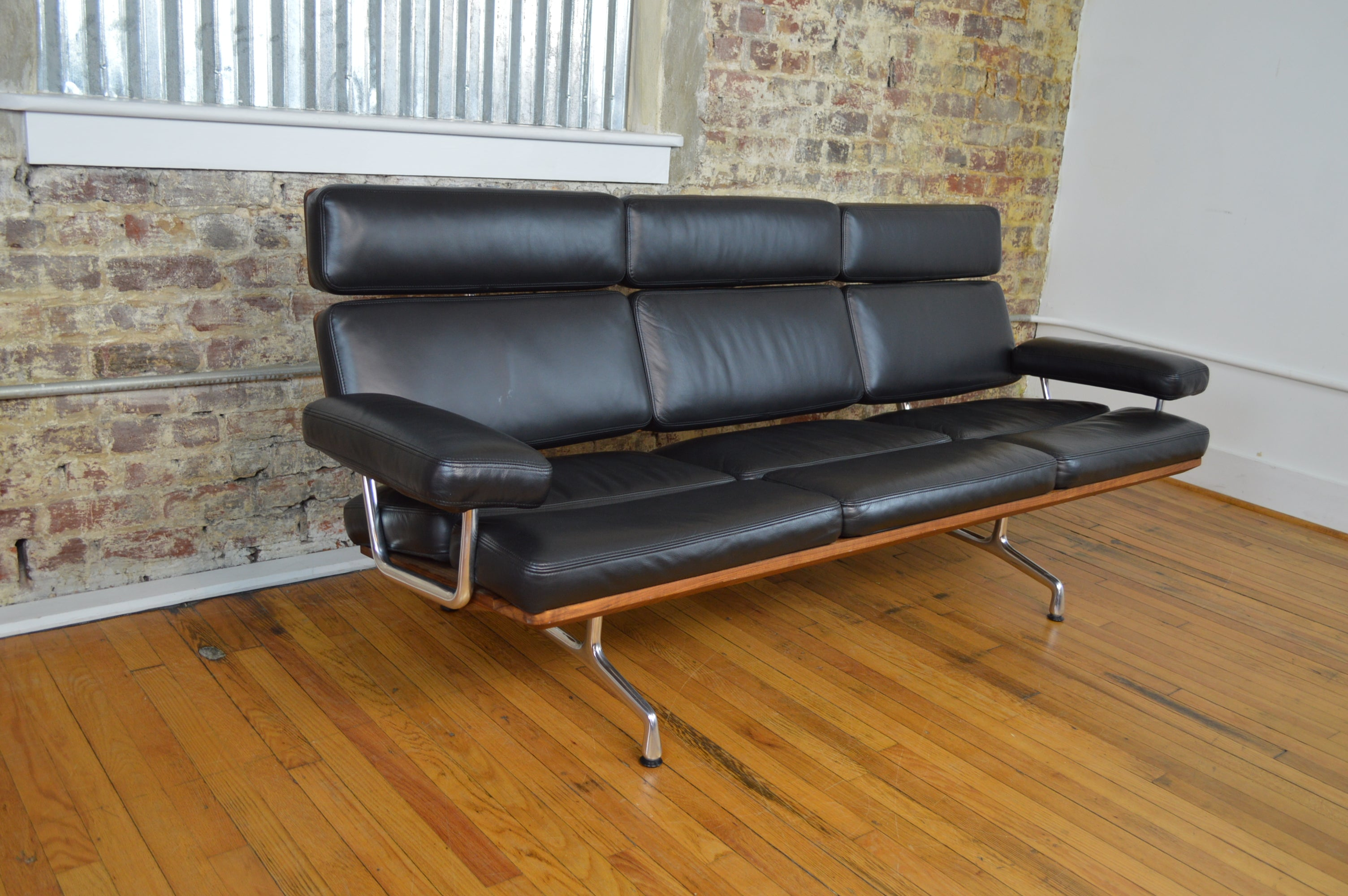 Charles Ray Eames For Herman Miller Three Seat Sofa In Leather - Herman miller bedroom furniture