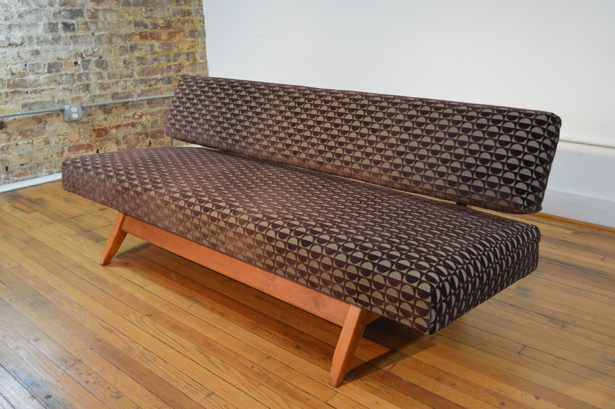knoll style adjustable daybed sofa in geometric cut velvet - Daybed Sofa