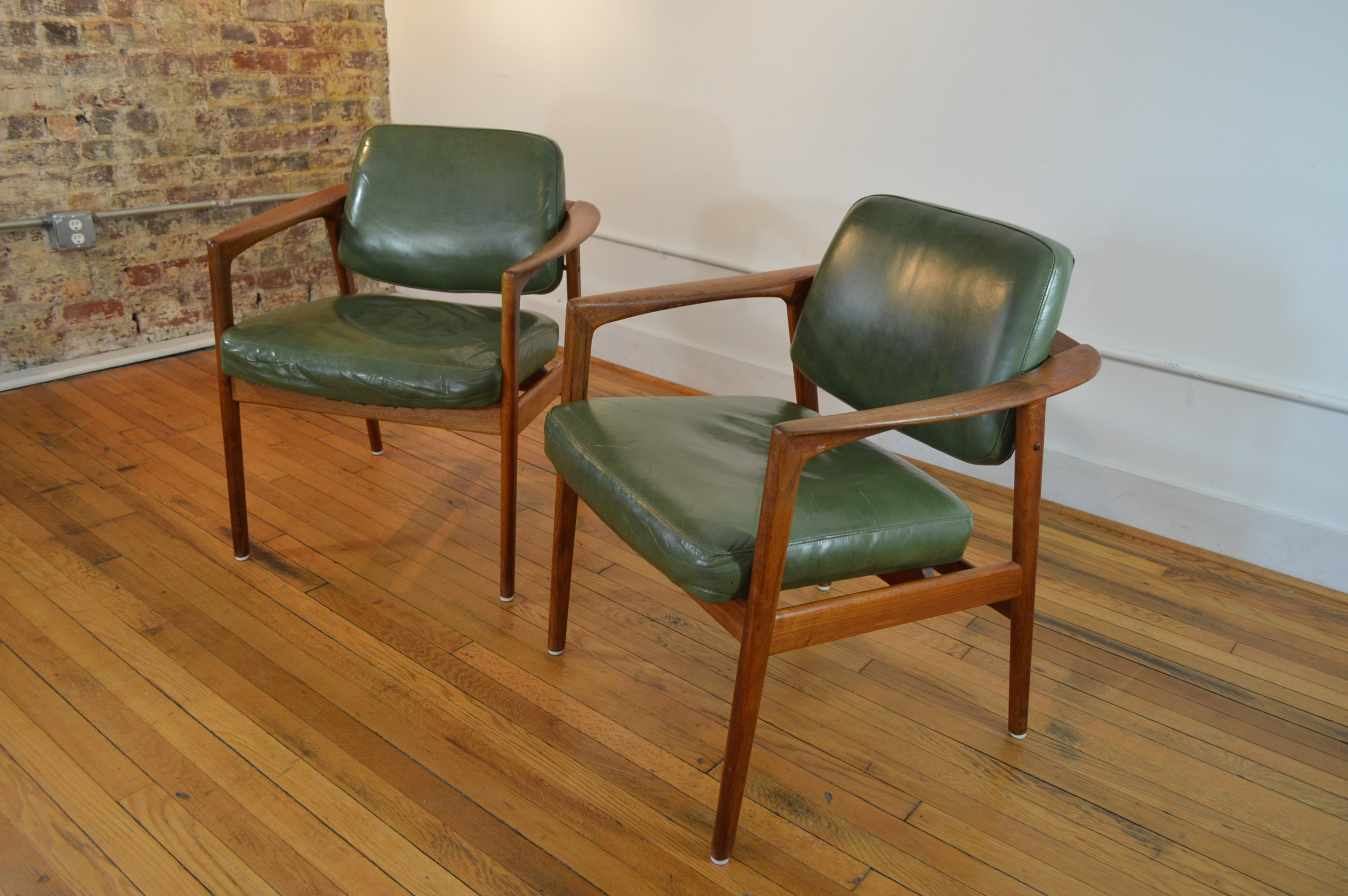 Beautiful Folke Ohlsson For DUX Sweden Teak And Leather Arm Chairs