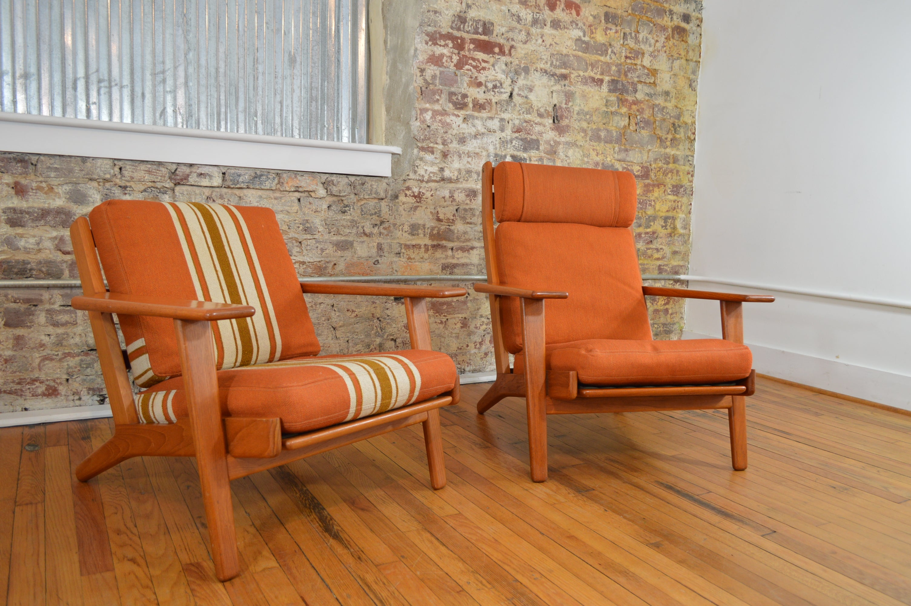 Hans Wegner Pair Of High And Low Lounge Chairs Model GE290 For GETAMA