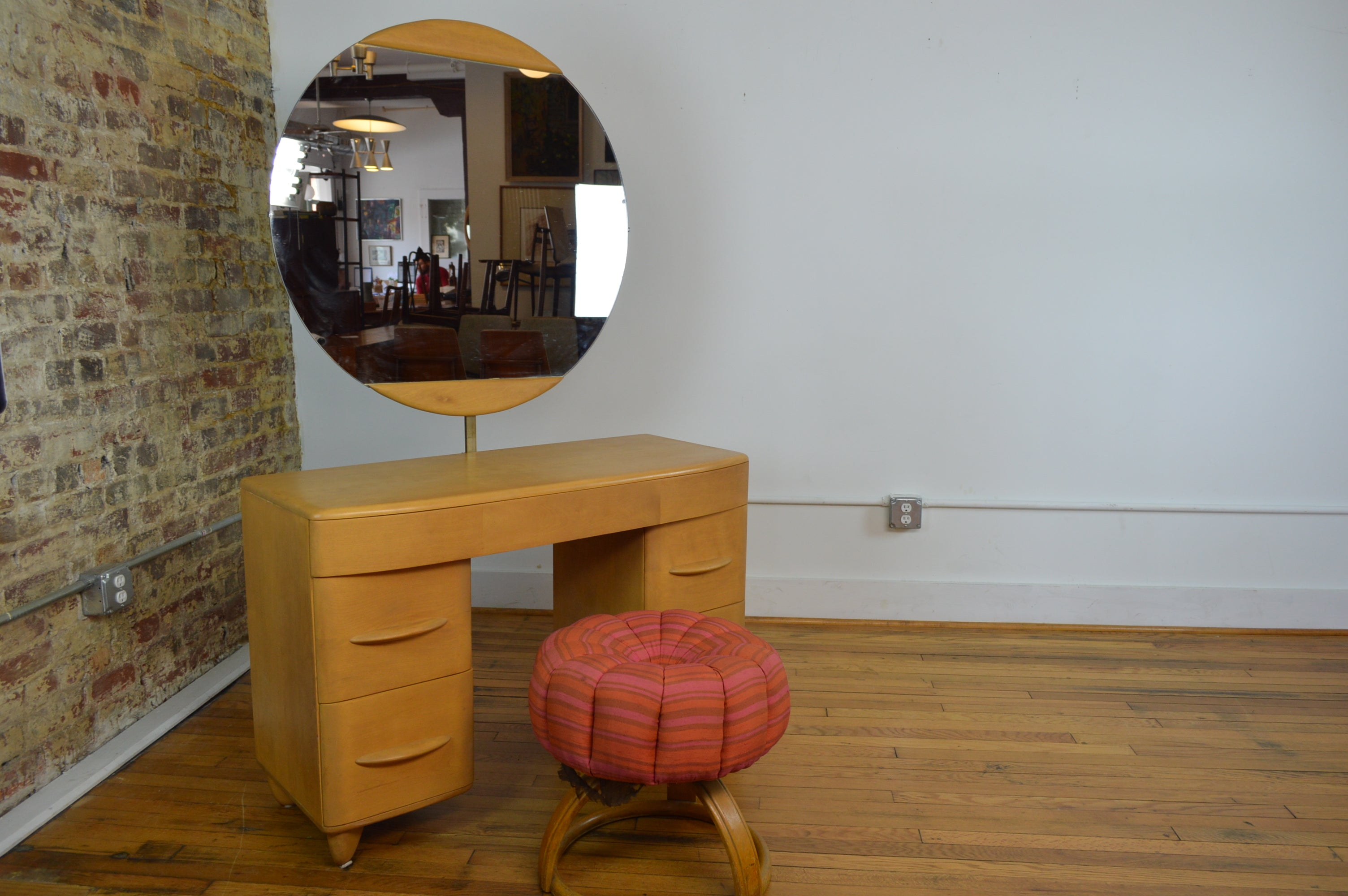 Picture of: Heywood Wakefield Mid Century Modern Vanity With Pouffe Stool Galaxiemodern