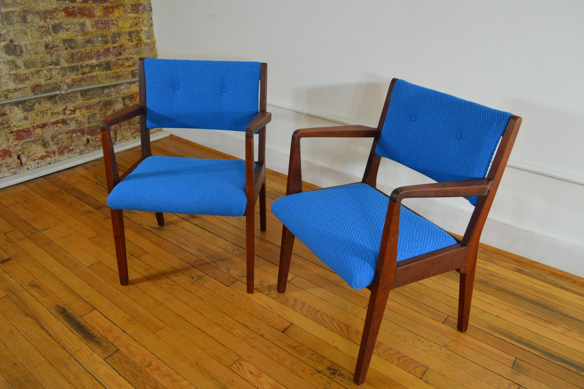 Jens Risom Walnut Arm Chairs In Electric Blue Maharam Kvadrat Wool