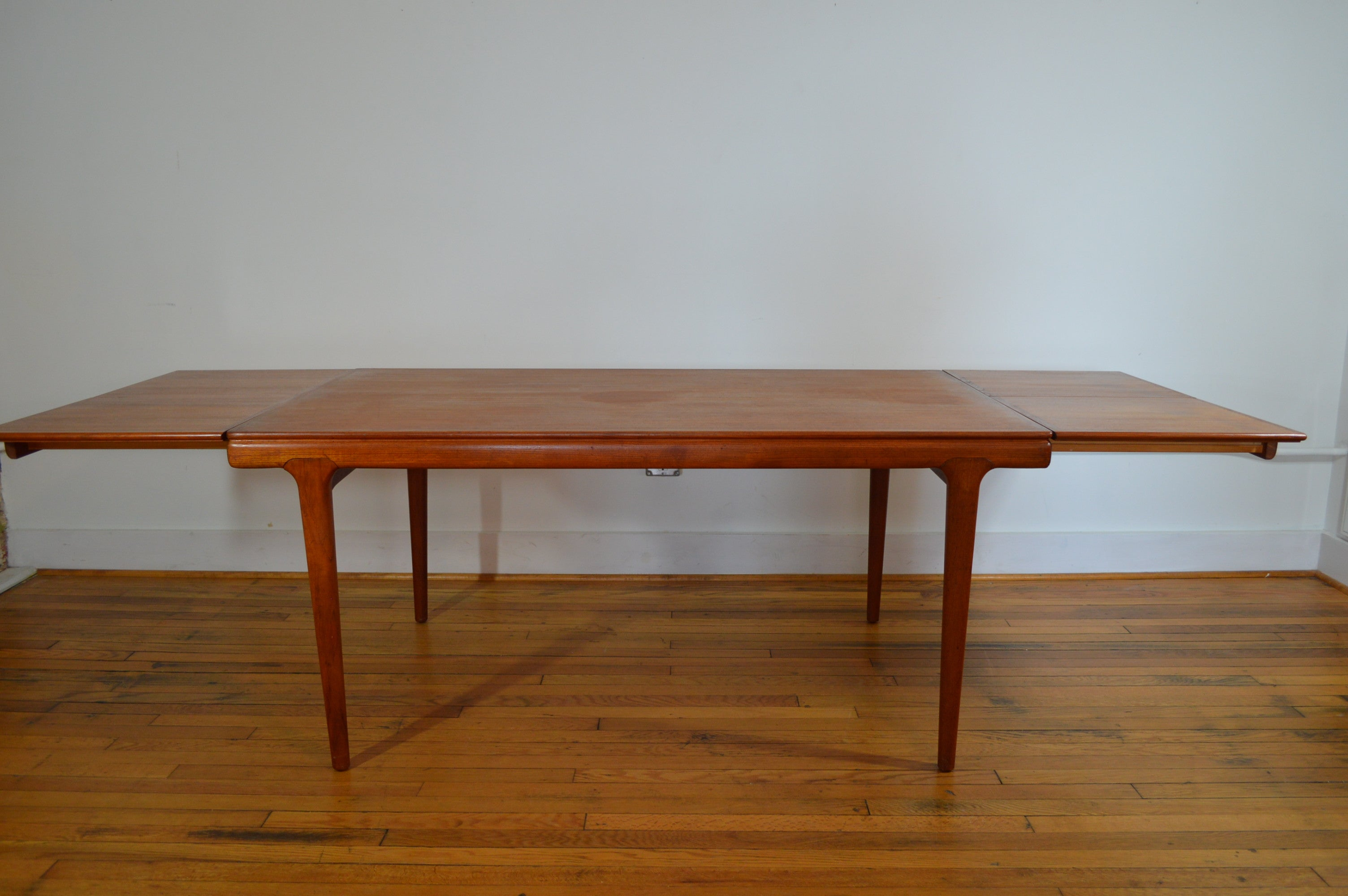 Johannes Andersen For Uldum Møbelfabrik Danish Teak Draw Leaf Dining - Teak dining table with leaf