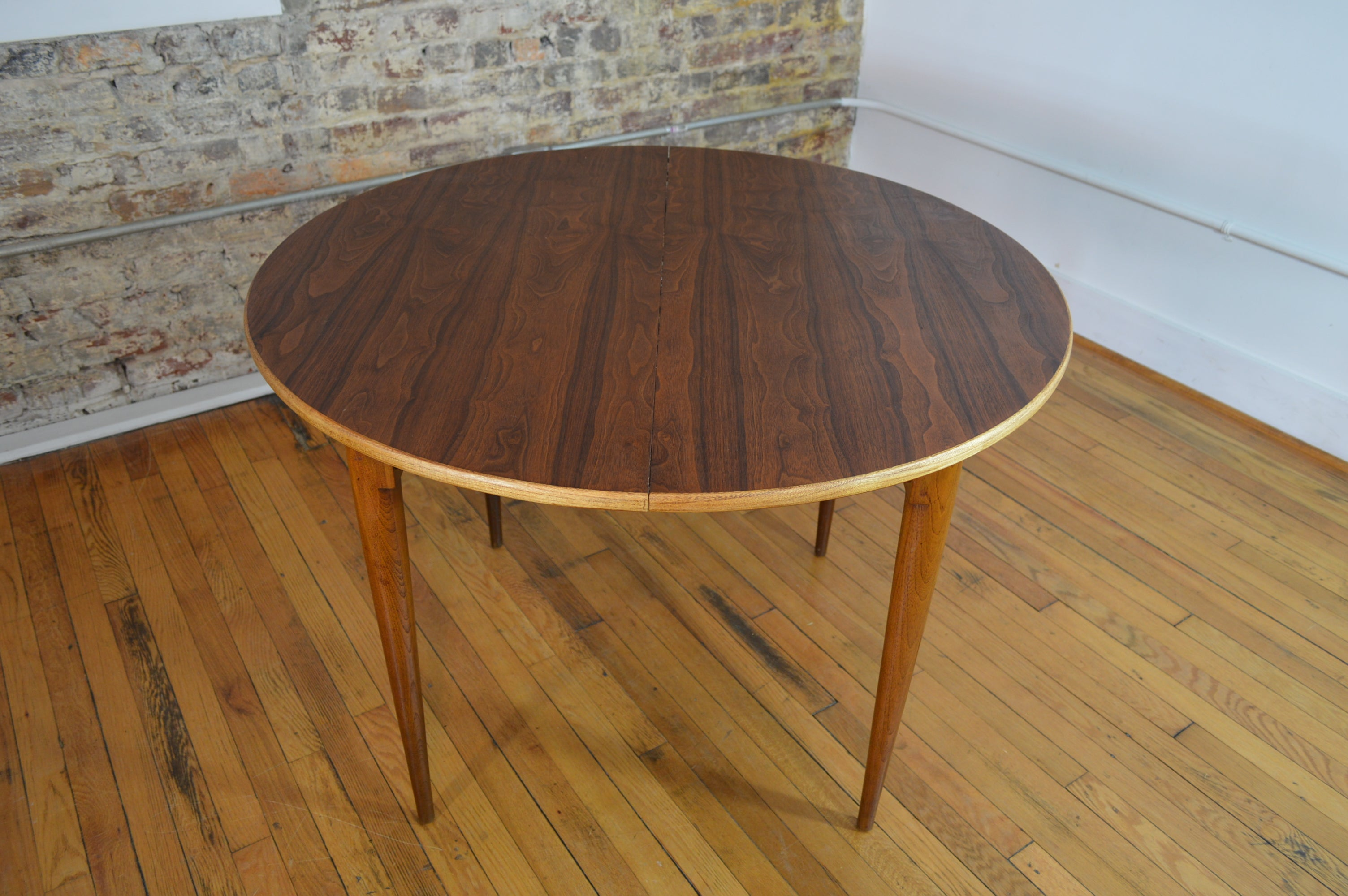 Beautiful Mid Century Walnut Dining Table By Lane Co With Extension L