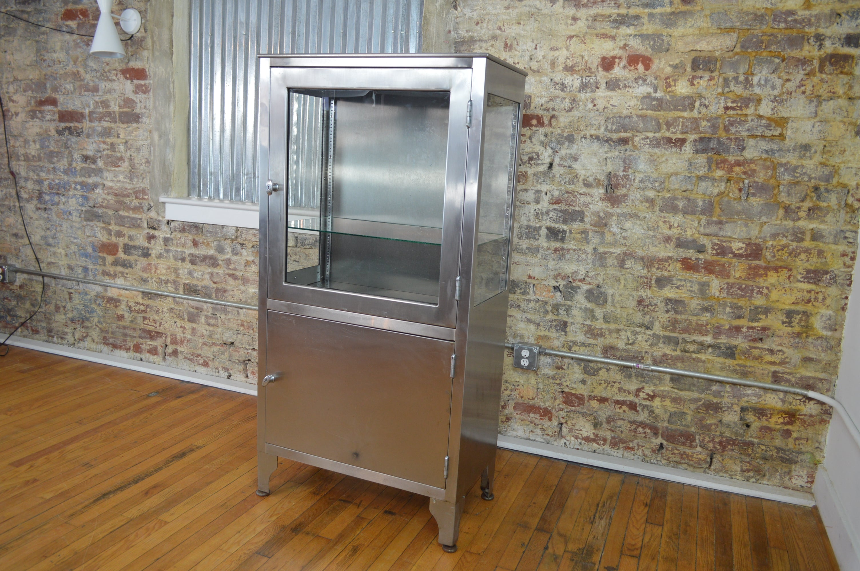 High Quality Industrial Mid Century Modern Stainless Steel Medical Cabinet