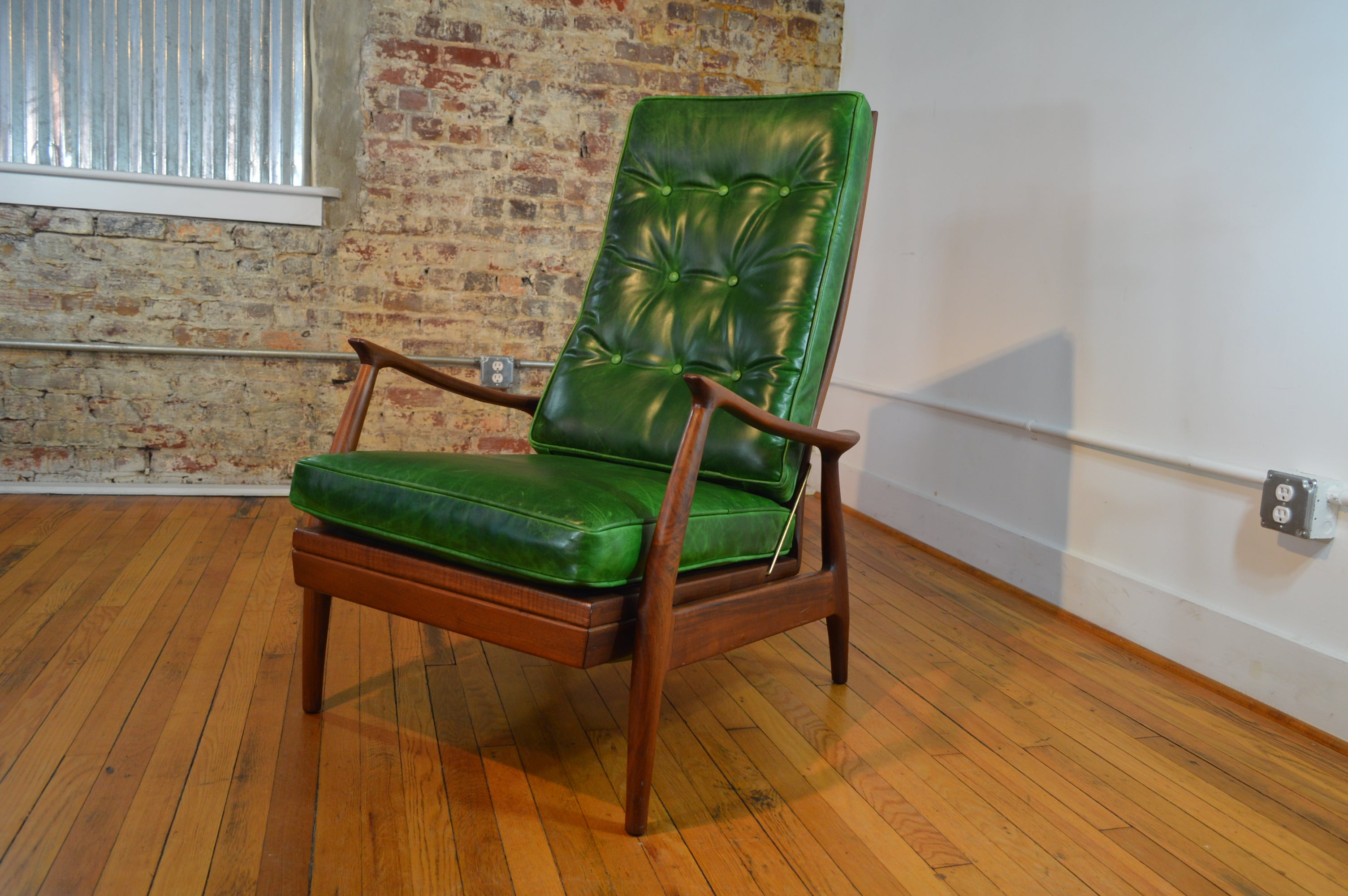Milo Baughman for Thayer Coggin Walnut and Leather Recliner : danish modern recliner - islam-shia.org