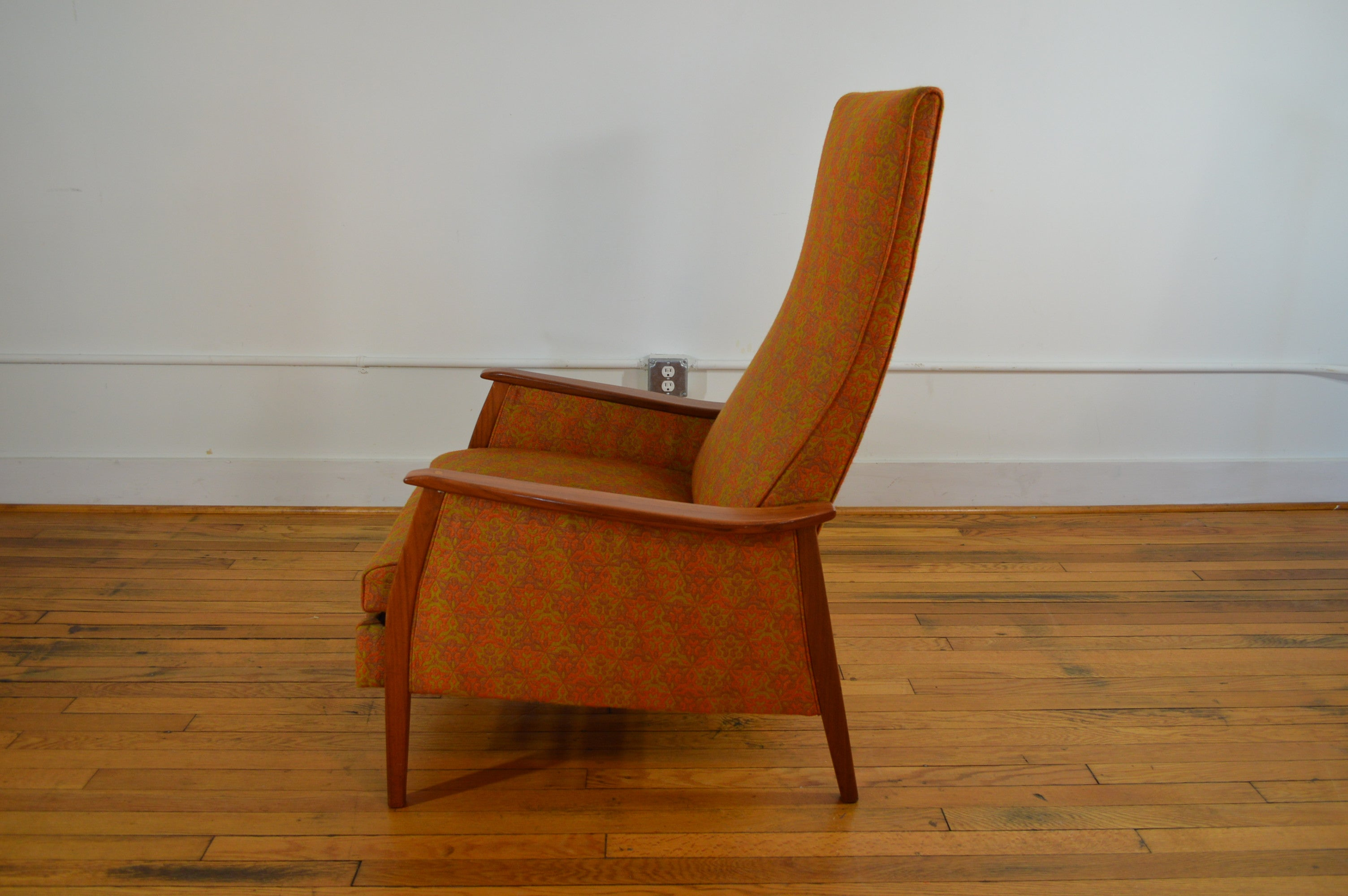 Milo Baughman for James Inc Mid Century Recliner in Original