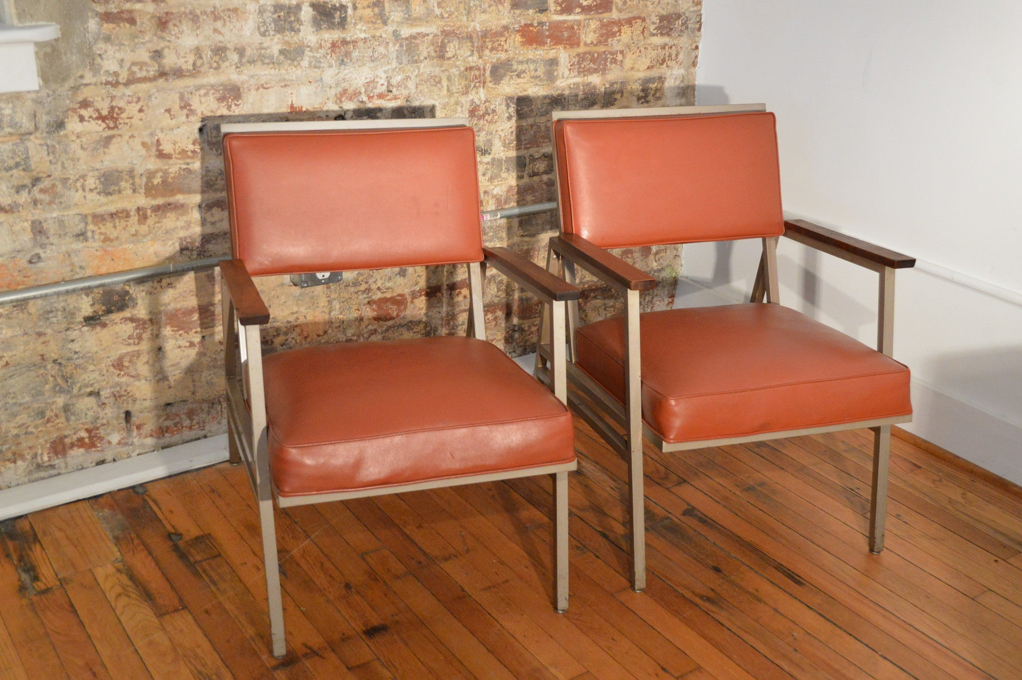 Vintage Steelcase Lounge Chair - Pair of steelcase mid century industrial arm chairs