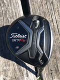 Titleist 917F2 Fairway 15° Diamana Blue 70 Regular Flex Golf Pride Tour Velvet