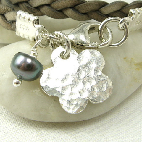 Flower Charm, hammered - Cloverleaf Jewelry