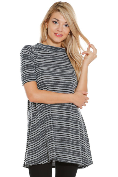 6012WFC23972  Stripes Knit Short Sleeve Open Back Tunic Top