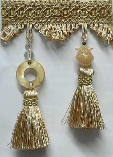 #158 Solid Romans with Tassel Trim (tucks)