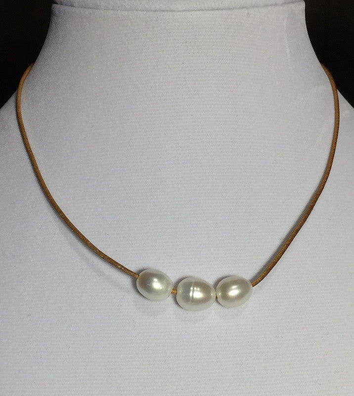 Antiqued Brown Leather 3-Pearl Necklace
