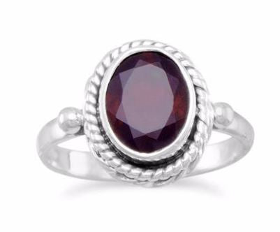 Rope-Edge Silver Round Garnet Ring