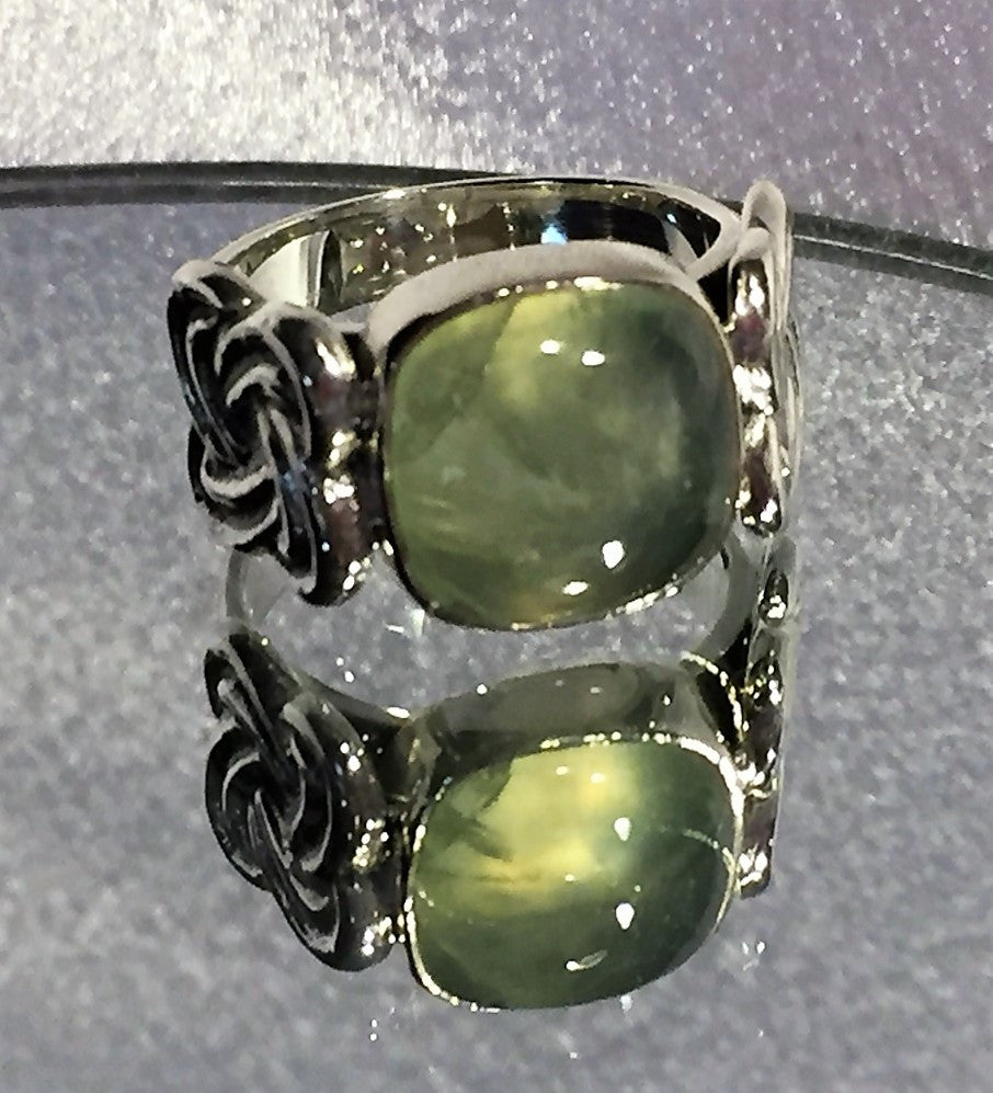 Celtic Knot Prehnite Ring
