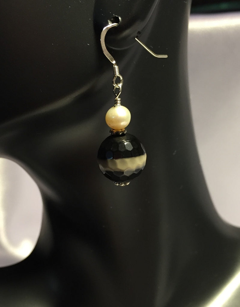 Agate Bead and Cultured Freshwater Pearl Earrings