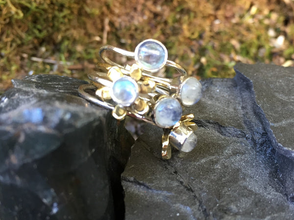 Rainbow Moonstone - Top Grade - Two Tone - Size 7