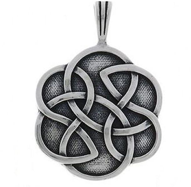 Jewelry Trends Sterling Silver Celtic Shield of Destiny Pendant with 18 Inch Chain Necklace