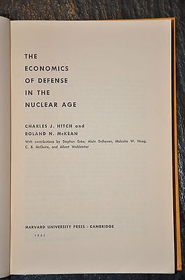 The Economics of Defense in the Nuclear Age (1960, Hardback)