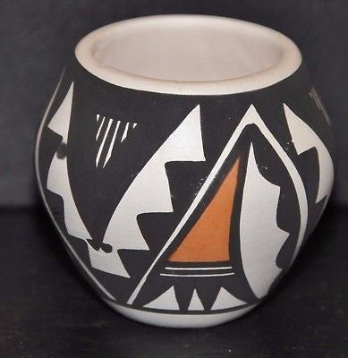 Acoma Pueblo Pot made by Loretta Joe
