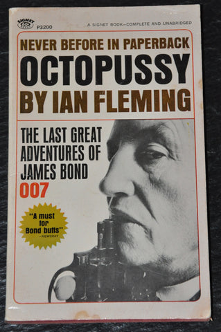1967 James Bond 007 OCTOPUSSY by Ian Fleming 1st Signet Paperback