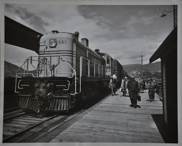 "Original Vintage 8"" x 10"" Photo of Canadian Great Eastern Railway Locomotive # 561 at British Columbia Station"