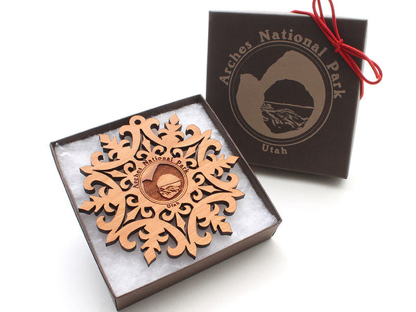 Moab Arches NP Snowflake Ornament Gift Box - Nestled Pines - 2
