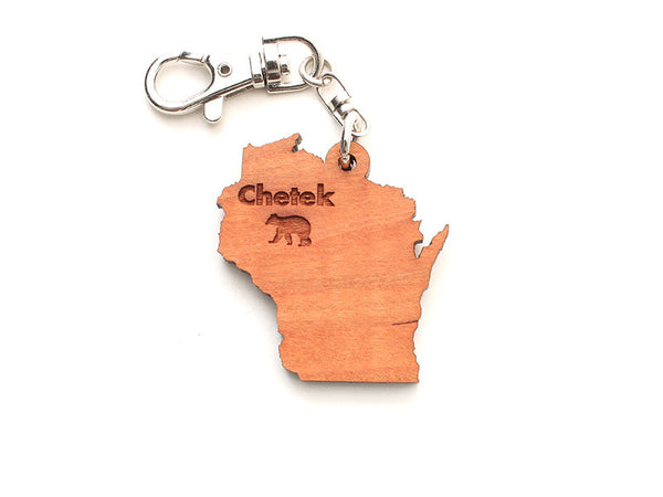 Lucky Day WI Key Chain ND Bear - Nestled Pines