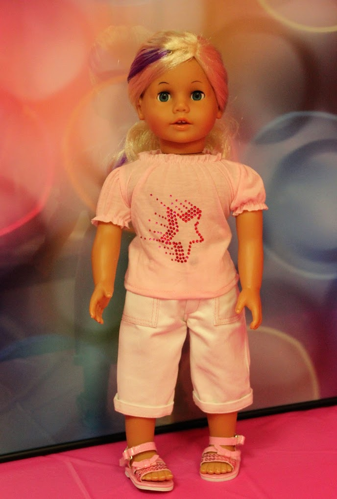 Pink Star Top with White Denim Capris