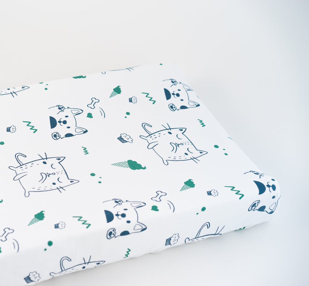 Magnolia Organics Organic Interlock Changing Pad Cover - Puppies and Kittens - Animal Collection