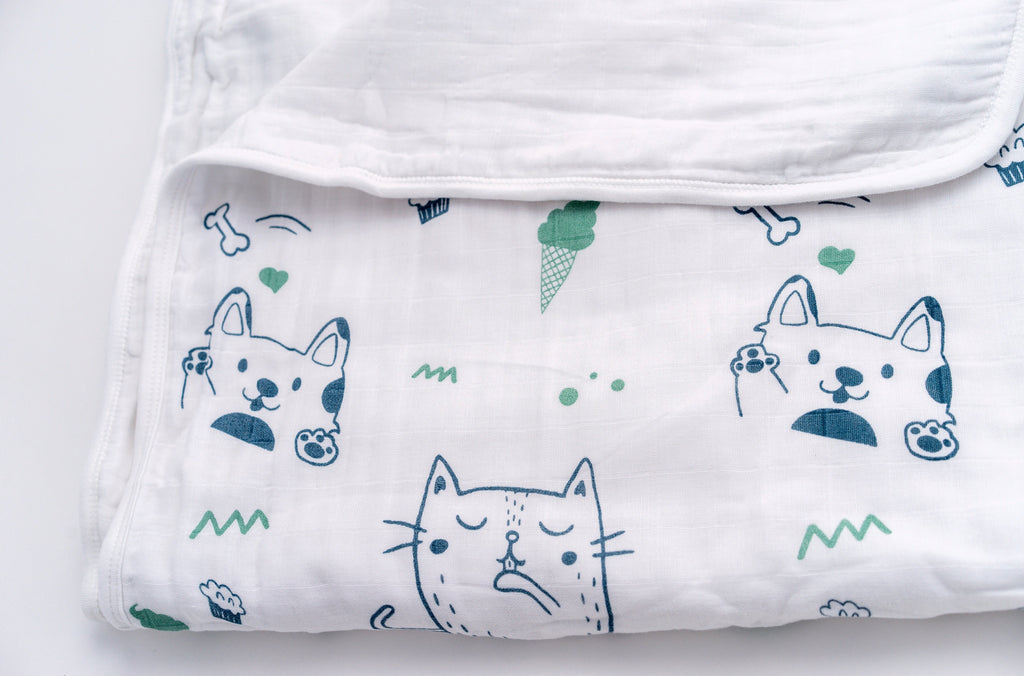 Magnolia Organics 4 Layer Organic Muslin Blanket - Puppies and Kittens - Animal Collection