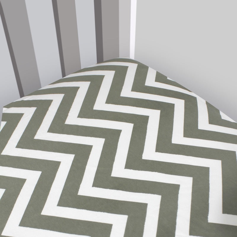 Organic Interlock Chevron Crib Sheet