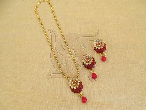 DELICATE MOON BEADED CLASSICAL PENDANT SET