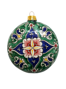 Porcelain Christmas tree decoration with handmade design - flat