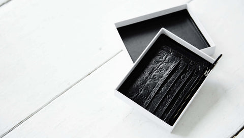 Daphny Raes gift packaging for leather wallet