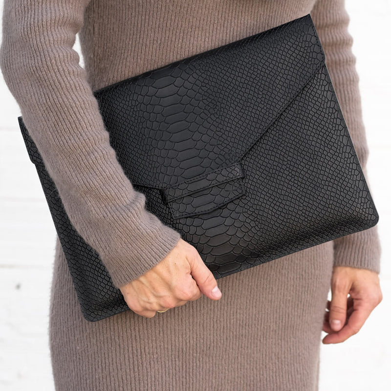 Laptop sleeve 'Nina' black python