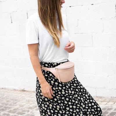 Stylish soft pink leather waist bag DAPHNY RAES