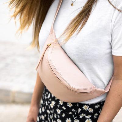 Stylish soft pink leather fanny pack DAPHNY RAES
